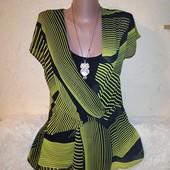Интересная блузочка обманка 50-52 размера.