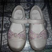 Кожаные туфельки Clarks (17,5 см)