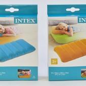 Intex Надувная подушка цветная. В коробке. Одна на выбор.