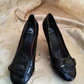 Женские туфли Burberry. Размер 36 - 23,5 см.