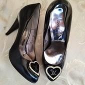 Шикарные женские туфли Louis Vuitton, Париж. Размер 38 - 24,2 см.