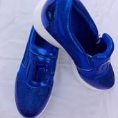 Кроссовки лимитованная серия с лазерным напылением
