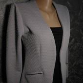Стильный пиджак-кардиган в отличном состоянии