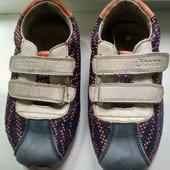 Кроссовки легкие и удобные Размер 29, по стельке 18 см.