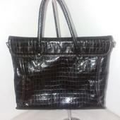 Лаковая стильная сумка