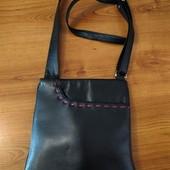 Кожа натуральная!!! стильная сумка в очень хорошем состоянии