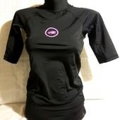 Обалденного качества,фирменная,спортивная футболка! Новое состояние! Описание, замеры.
