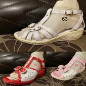 Шикарные босоножки для Ваших малышек Натуральная кожа 22 см стелька Супинатор