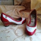 Женские туфли Chanel. Размер 38-24,2 см.