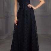 Дуже шикарне круживне вечірнє плаття від she cool p.s