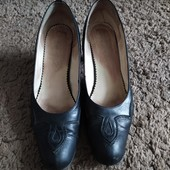 Туфли на каблуке,р 40