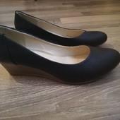 Стильные женские туфли. Размер 39
