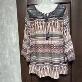 Фирменная красивая вискозная блуза-туника с ажурной вставкой р.18-22