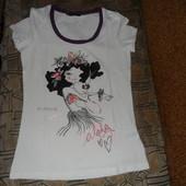 Яркая, стильная, качественная футболка для милых дам. Смотрите замеры в описании.новая