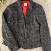 Женский пиджак. Размер xs. В хорошем состоянии.