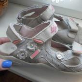 Кожаные босоножки-сандали Vorik состояние отличное