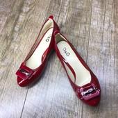 Женские туфли на низком каблучке D&G Италия. Размер 37 - 23,2 см.