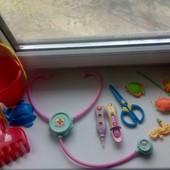 Игрушки одним лотом - магнитная рыбалка, набор доктора, пасочки, все, что на фото.