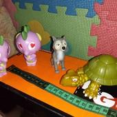 игрушки одним лотом.черепаха заводная ходит