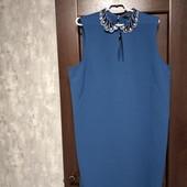 Фирменное красивое платье в состоянии новой вещи р.22-24