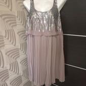 Красивое нарядное платье в состоянии новой вещи р.12-14
