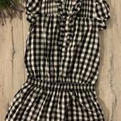 Платье на девочку 10-11 лет. В хорошем состоянии.