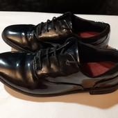 Туфли из нат. лакированной кожи Clarks, ориг. Камбоджа, разм. 5 (21,5 по бирке, реально 23 см).