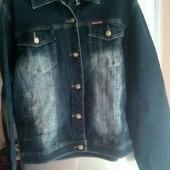 Модная  женская джинсовая куртка  , качество отличное (батал ).