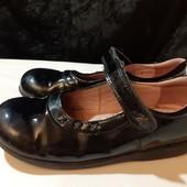 Полностью кожаные лаковые туфли Start-Rite, разм. 29 (19,5 см внутри). Сост. очень хорошее!