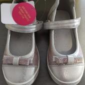 Туфельки для девочки Arial. Размер 27.