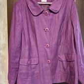 Фирменный красивый вискозный пиджак в состоянии новой вещи р.24-26