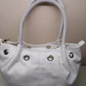 Оригинальная, белая сумочка на лето, с любым платком под ваш стиль!