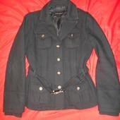Пальто от Zara.размер М.в хорошем состоянии. приталенное.