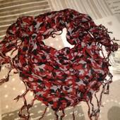 Два стильні шарфи-косинки італійського бренду Вenetton