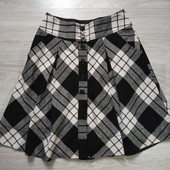 Фирменная красивая юбка в состоянии новой вещи р.40-42 на ПОТ-39-40.