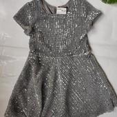 Очень красивое платье с пайетками Kiabi Франция Новое с биркой Размер: 4 года (104) или 5 лет (110).