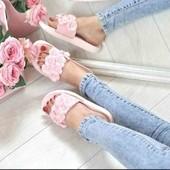 Шлепанцы с цветами