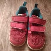 Кроссовки на девочку фирма Adidas