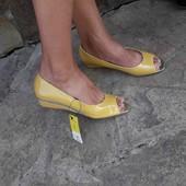 нові туфлі Fiore collection шкіряна стелька