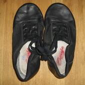 Чешки кожа и кожаные танцевальные туфли capezio размер 31