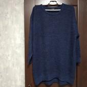 Фирменный красивый свитерок в состоянии новой вещи р.20-22