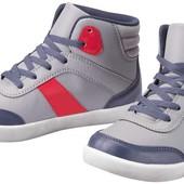 Стильные и очень качественная ботиночки деми размер 32