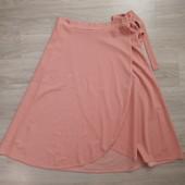 Фирменная красивая юбка в отличном состоянии р.16-20