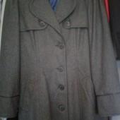 Фирменное качественное пальто New look р.12(евр.40)55%шерсть состояние отличное