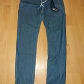 Легкие джинсы,28 размер !В поясе не тянутся!!!!!