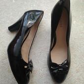 Andre, новые натуральные фирменные туфли 37р.