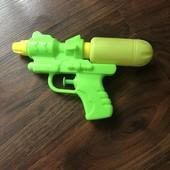 Водный пистолет 17,5х10 см