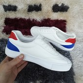 Белоснежные мягенькие кросики с цветной пяточкой. 35-40.