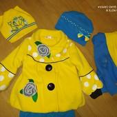 Шикарное Деми пальтишко+ комплект шарф и две шапочки, штанишки в подарок.3-5 лет отл.сост!