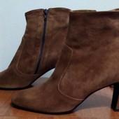 Ботинки из натуральной замши от Minelli, размер 40,стелька 26 см.